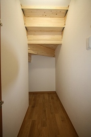 階段収納の施工例3