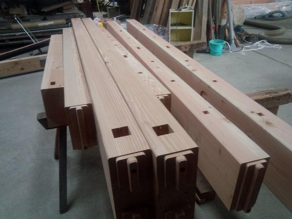 牧牧野工務店工場内の木材2