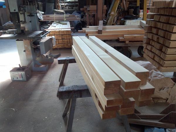 牧野工務店工場内の木材3